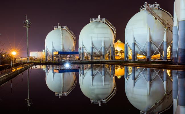 India plans to reduce LNG imports from Qatar