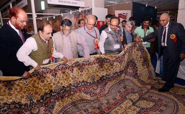 Centre targets Rs 7,600 crore carpets & floor covering exports for fiscal 2015-16