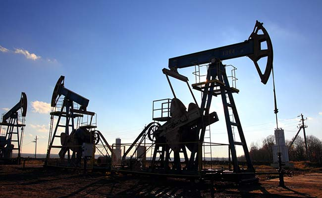 Domestic production of crude oil, natural gas falls in October