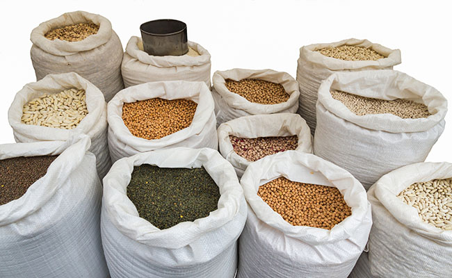 Over 5,366 tons of seized pulses offloaded in mkt