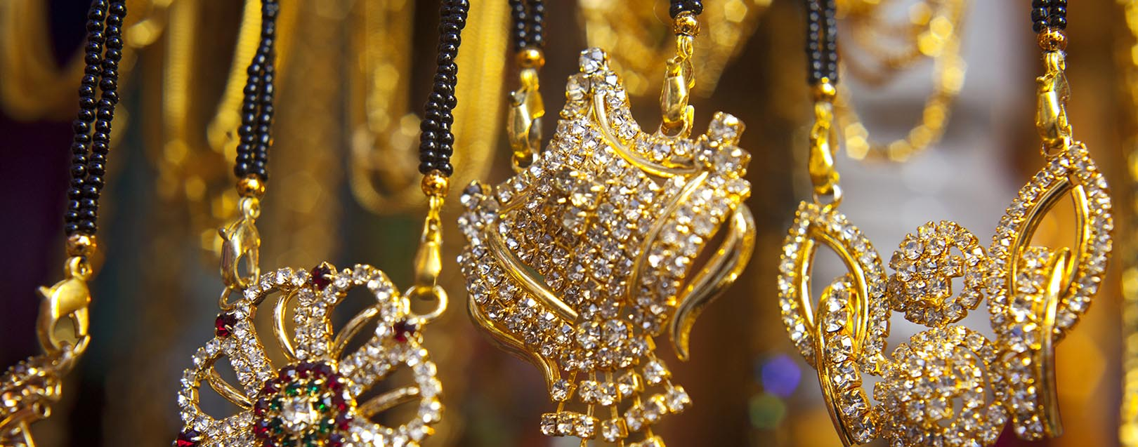 jewellery market The jewellery market needs to adapt to the changing profile of china's jewellery consumers in 2016 we conducted a detailed piece of jewellery market research in which we asked 2,000 women which jewellery product they would purchase if they were given rmb 5,000 one key takeaway from this was the difference in consumer preference between regions.