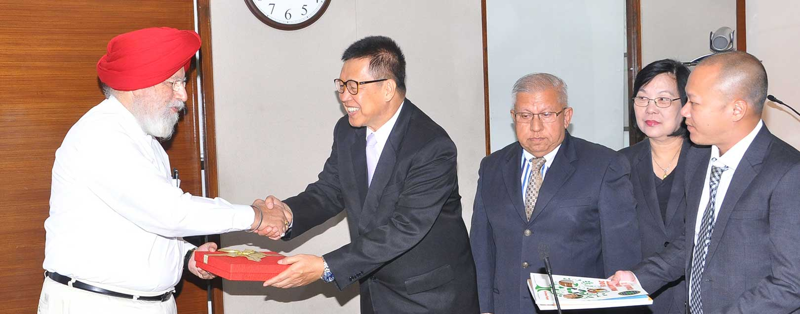 India and Thailand meet to discuss agriculture, trade