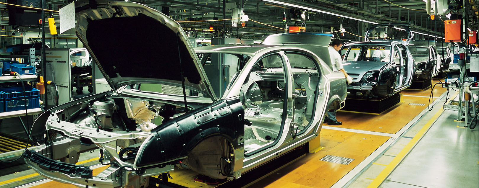 the factors affecting the location of a car manufacturing facility For instance, product pricing may depend heavily on the productivity of a manufacturing facility (eg, how much can be produced within a certain period of time) the marketer knows that increasing productivity can reduce the cost of producing each product, which potentially allows the marketer to potentially lower the product's price.