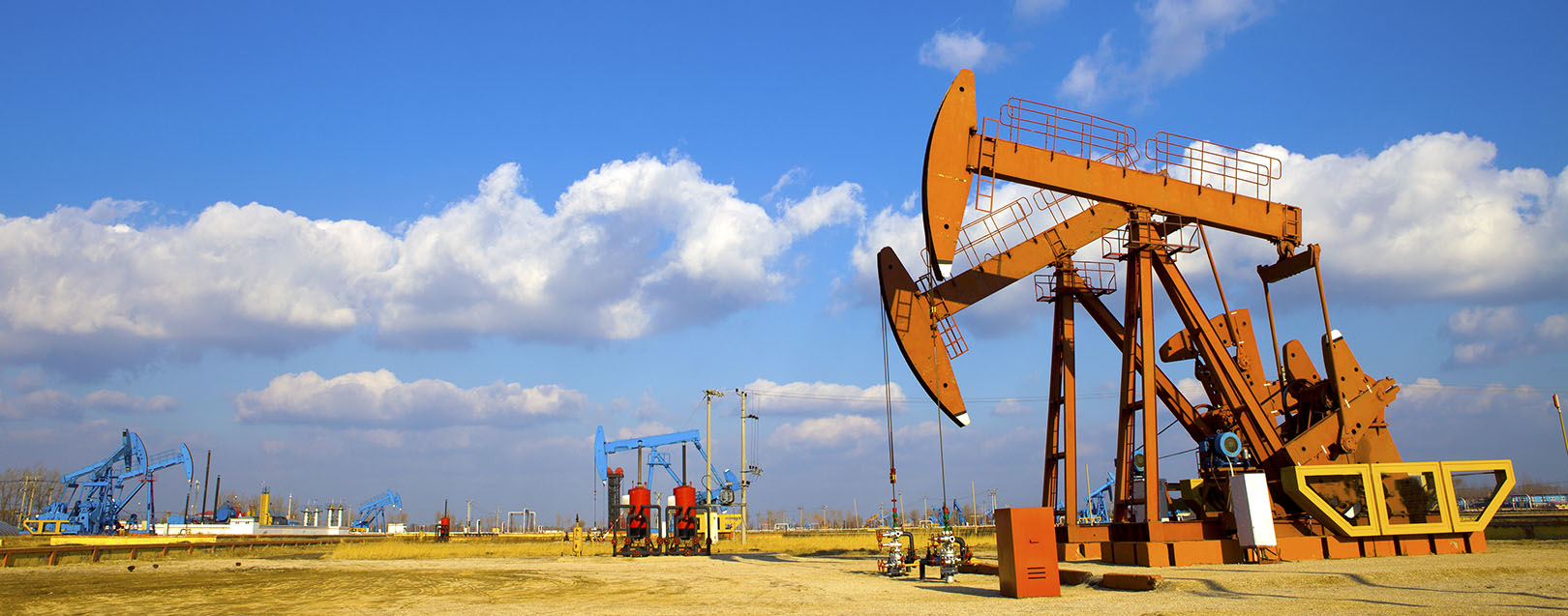 Iran invites foreign cos to bid for 50 oil and gas fields