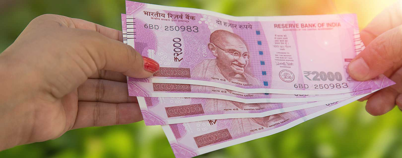 Get up to Rs. 2k cash at petrol pumps by swiping debit cards