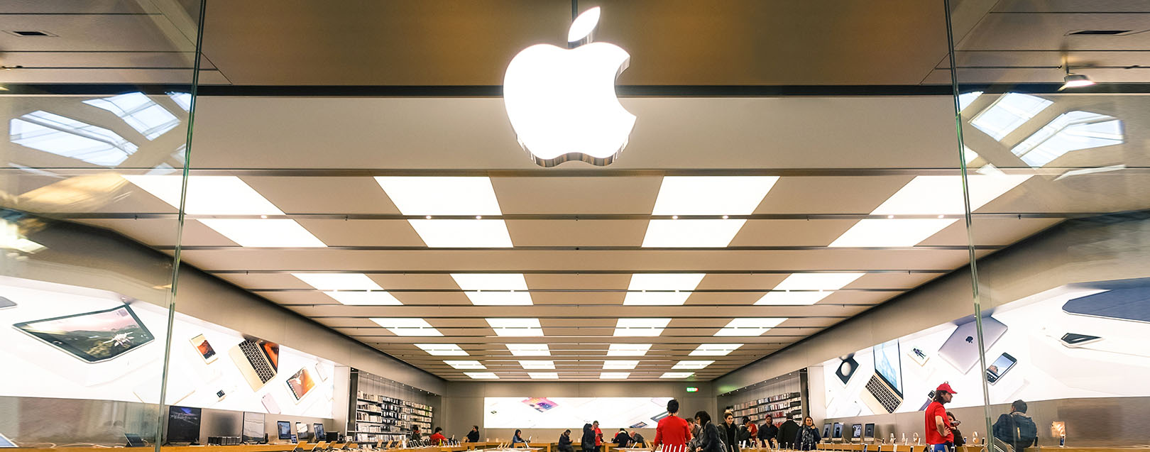 Apple Inc meets Govt about retail stores in India