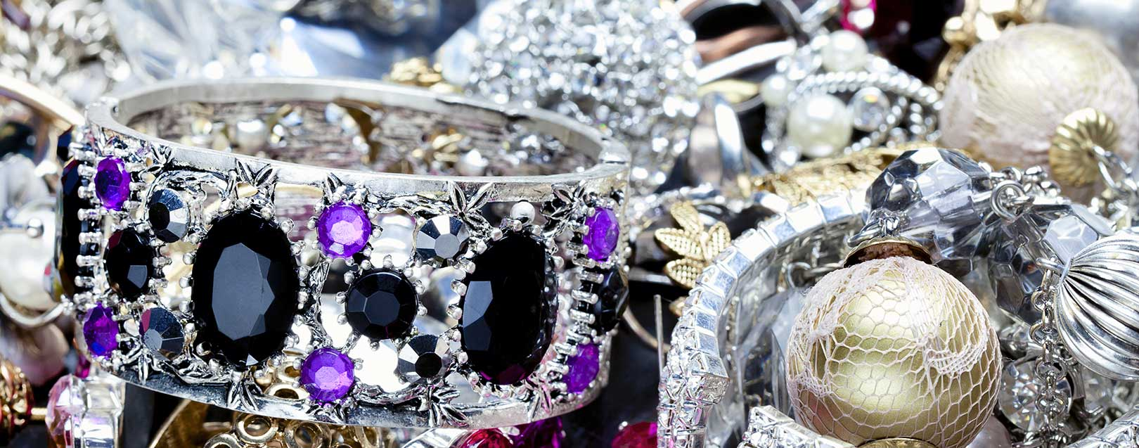Ind-Ra predicts negative outlook for diamond exporters in FY'18