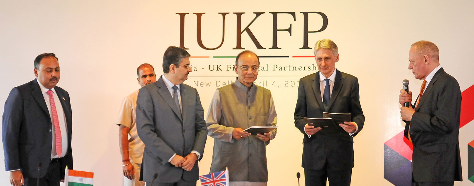 India, UK to invest £500 million for clean energy projects