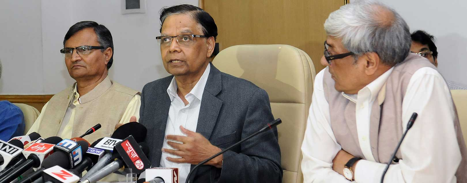 NITI member Bibek Debroy suggests to tax agriculture income