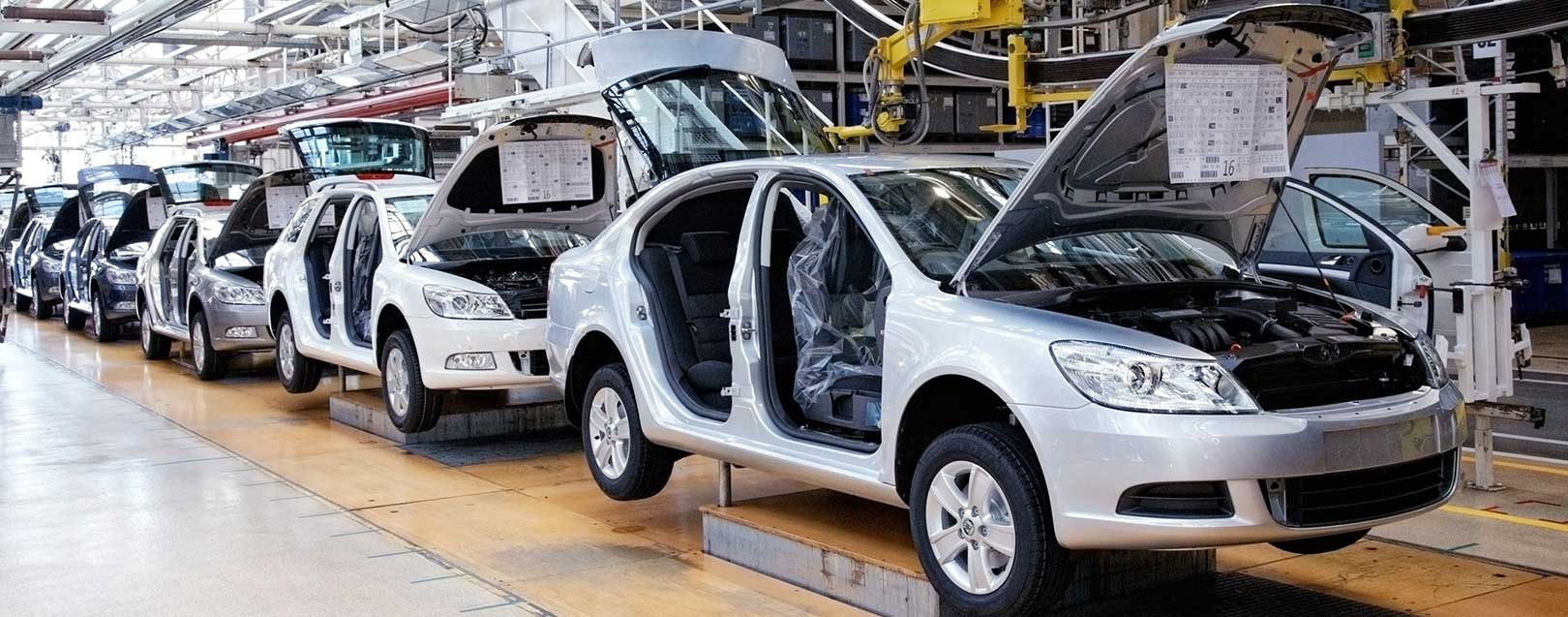 Auto sector to contribute 12% to India's GDP in next decade: Geete