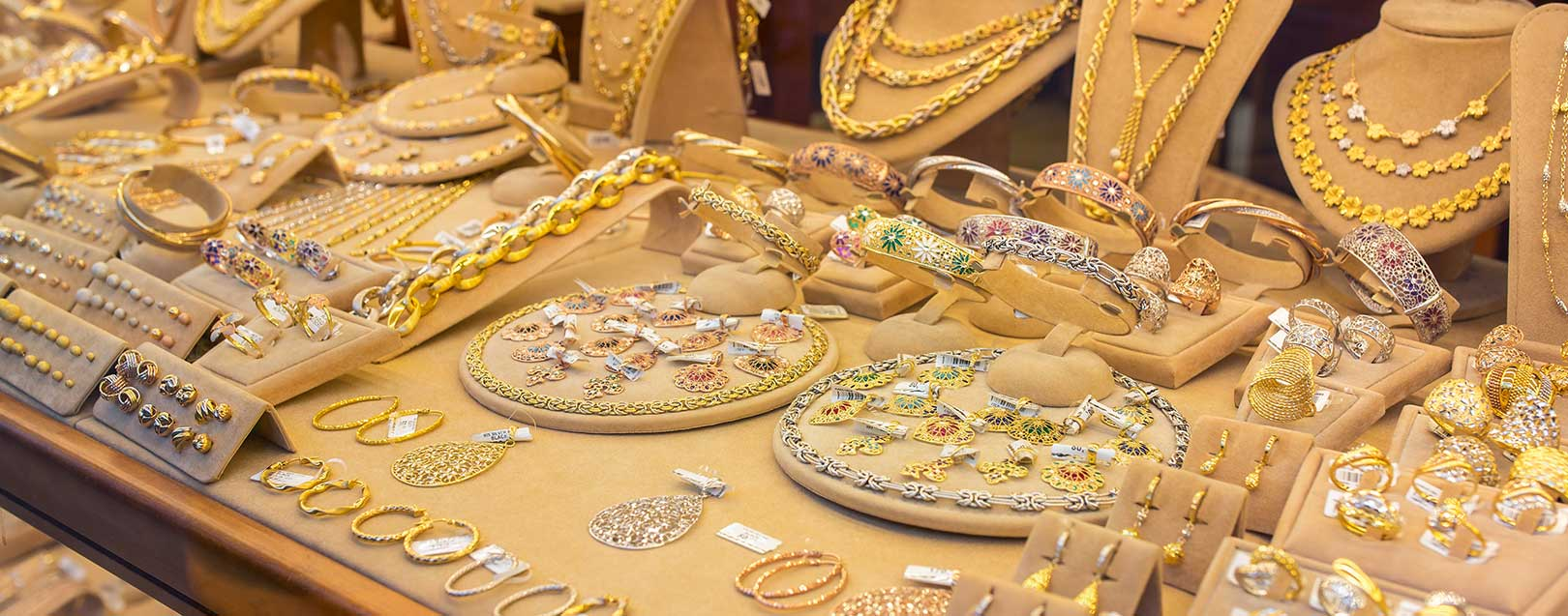 Jewellery industry welcomes 3% GST on gold but finds it challenging