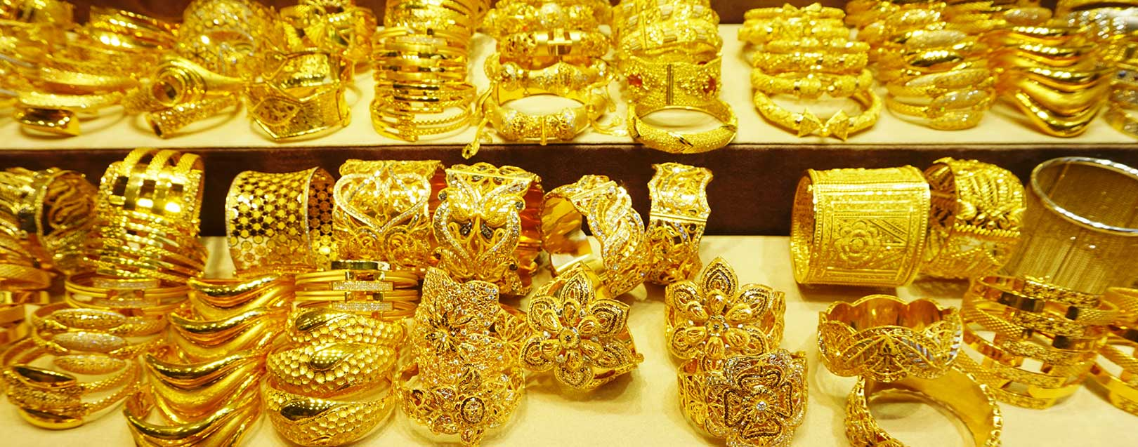 Commerce ministry urges the finance ministry to reduce import duty on gold to 2%